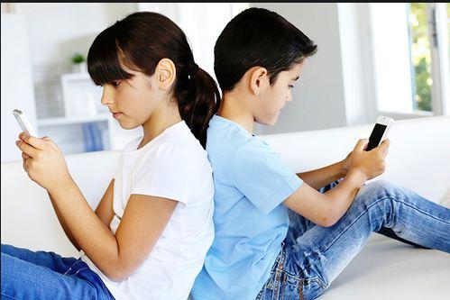 Mengatasi Dampak Negatif Perkembangan Teknologi Bagi Anak Dunia