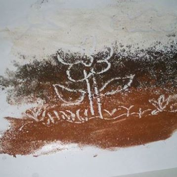 menggamabr-dengan-media-pasir-batu-bata-kapus-2