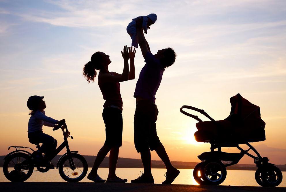 kebersamaan-dengan-orang-tua-dan-anak