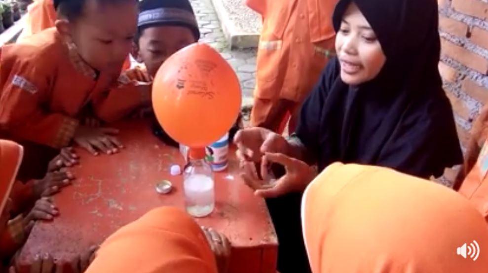 percobaan-botol-ajaib-4