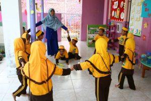 Lagu Anak Outboud Favorit Anak PAUD (Lagu Pembangun Semangat Kerja Sama)