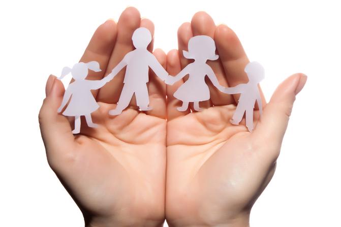 Sumber : http://www.overprotectiveparents.net/3-overprotective-parents-good-or-bad-for-children/